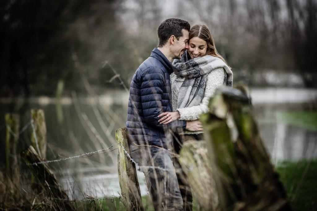Selbst bei Hochwasser lassen sich wunderschöne Paarfotos machen