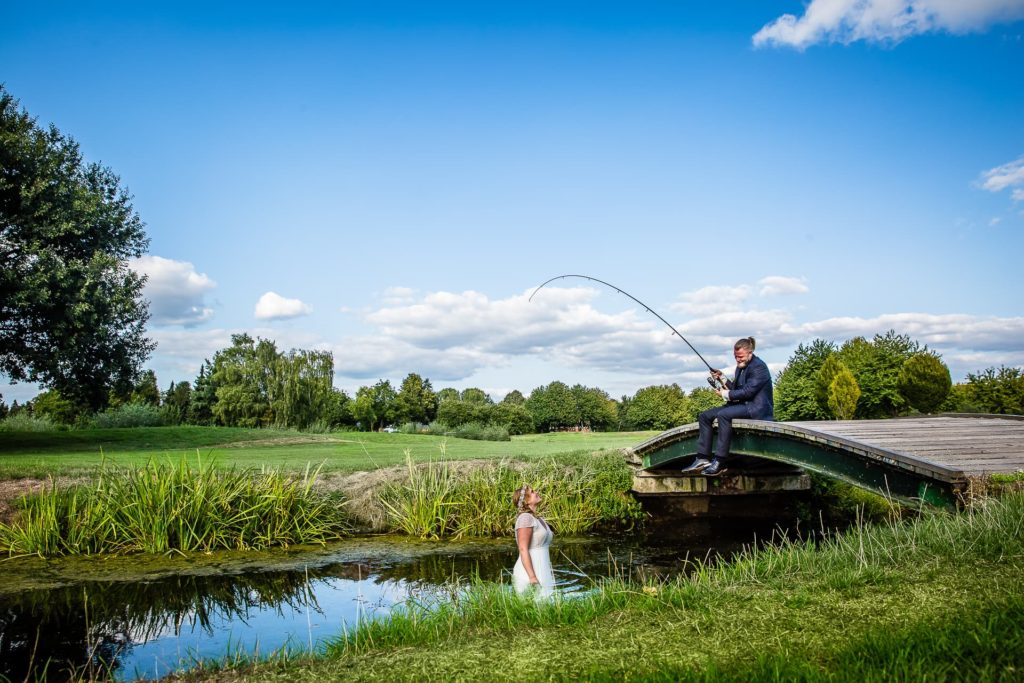 Steht die Braut wirklich im Wasser? - Ja warum denn nicht?