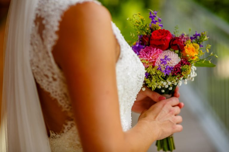 Brautstraussdetail Fotoreportage am Hochzeitstag von Axel Breuer Hochzeitsfotografie